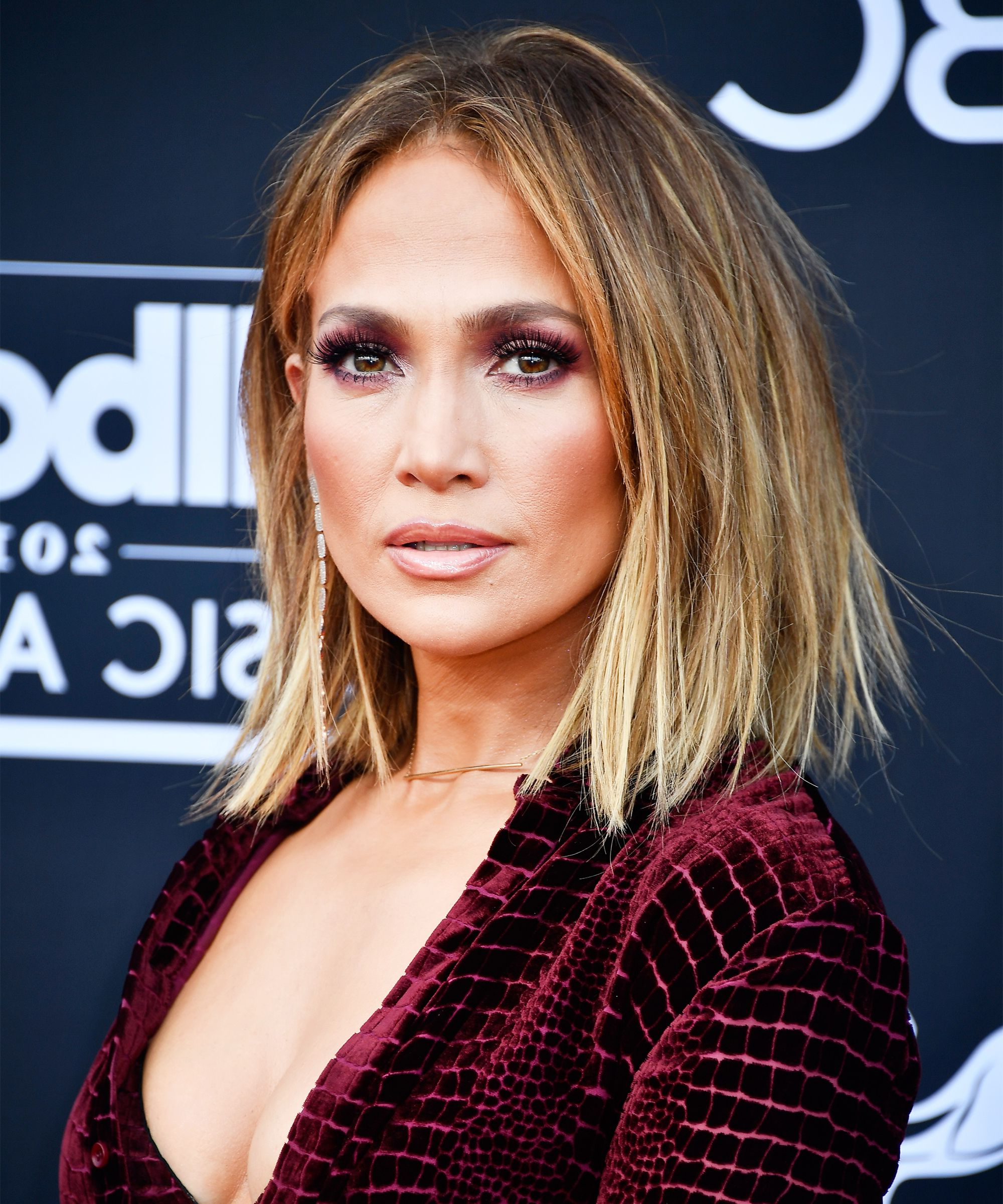 Jlo And More Celebrities Rocking Straight Bobs At Bbmas Regarding Jennifer Lopez Short Haircuts (View 7 of 25)