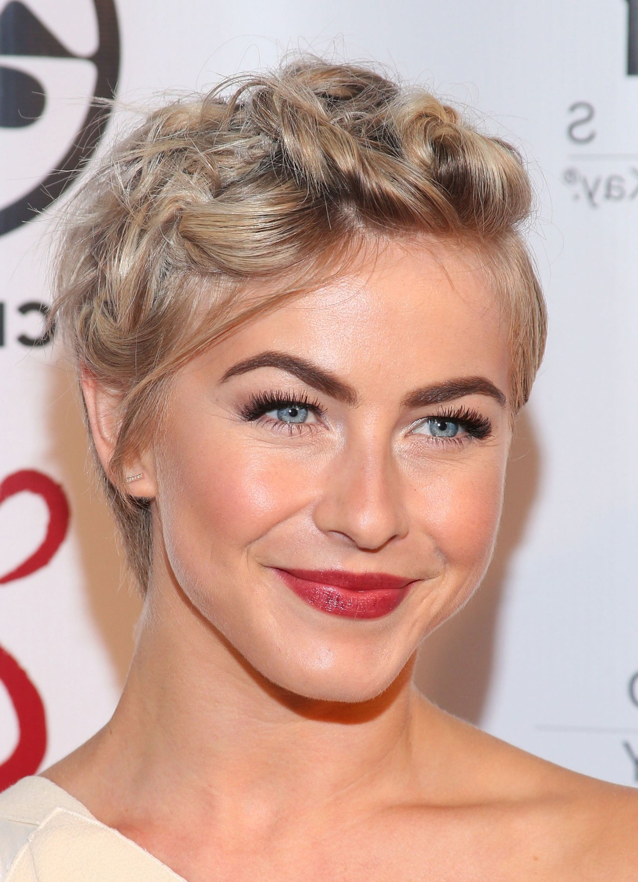 Julianne Hough Shows A Cute Hairstyle Option For Short Hair For In Cute Hairstyles For Short Hair For A Wedding (View 18 of 25)
