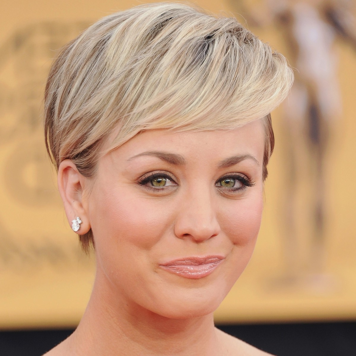 Kaley Cuoco Biography – Biography Regarding Kaley Cuoco Short Hairstyles (View 22 of 25)