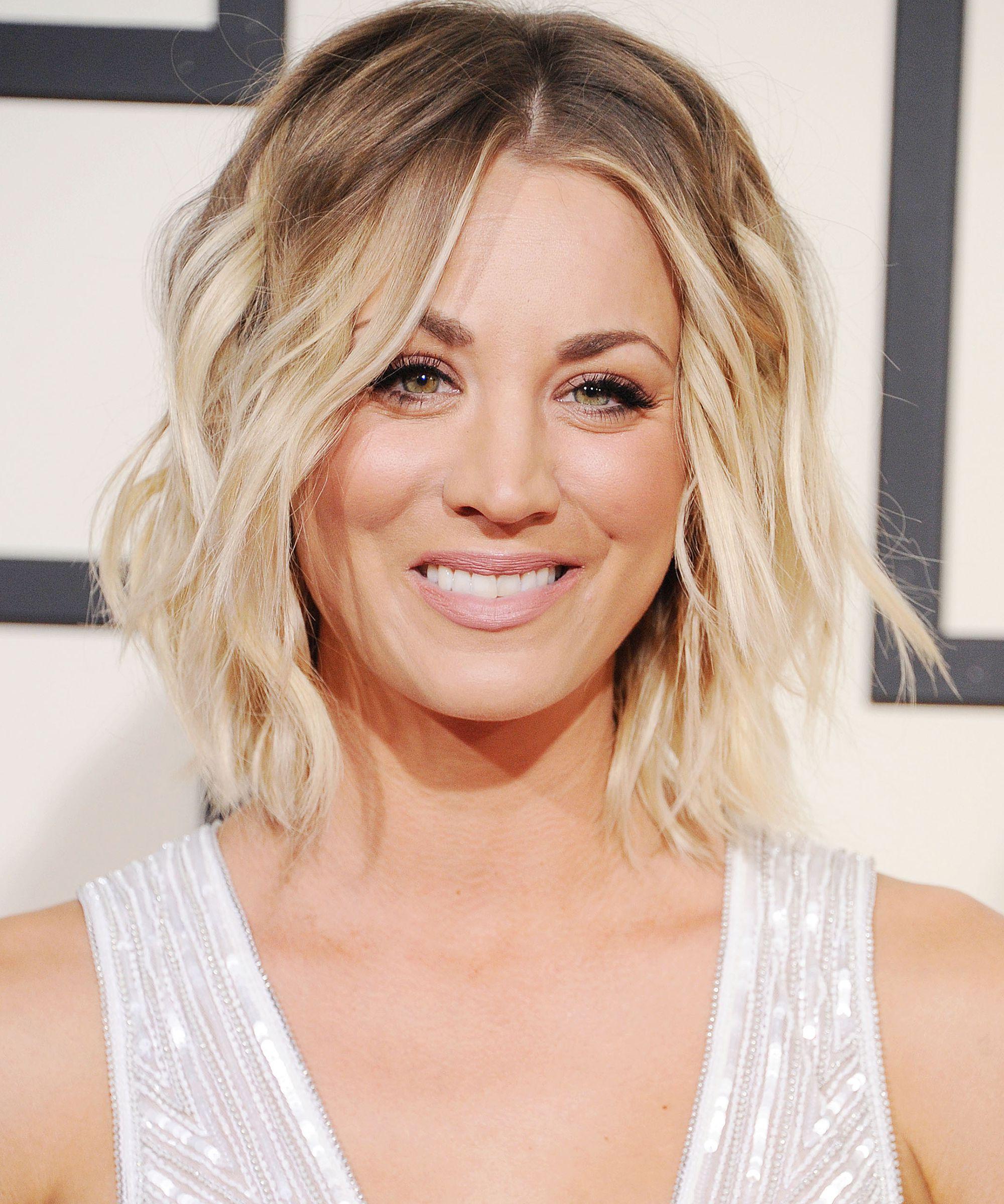 Kaley Cuoco Blonde Hair Big Bang Theory New Season Pertaining To Kaley Cuoco New Short Haircuts (View 17 of 25)