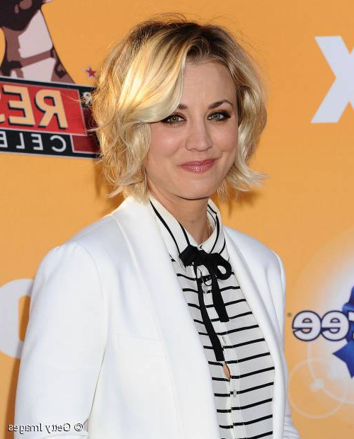 Kaley Cuoco: Copy Her Cute Tousled Short Bob Hairstyle! With Regard To Tousled Beach Bob Hairstyles (View 17 of 25)