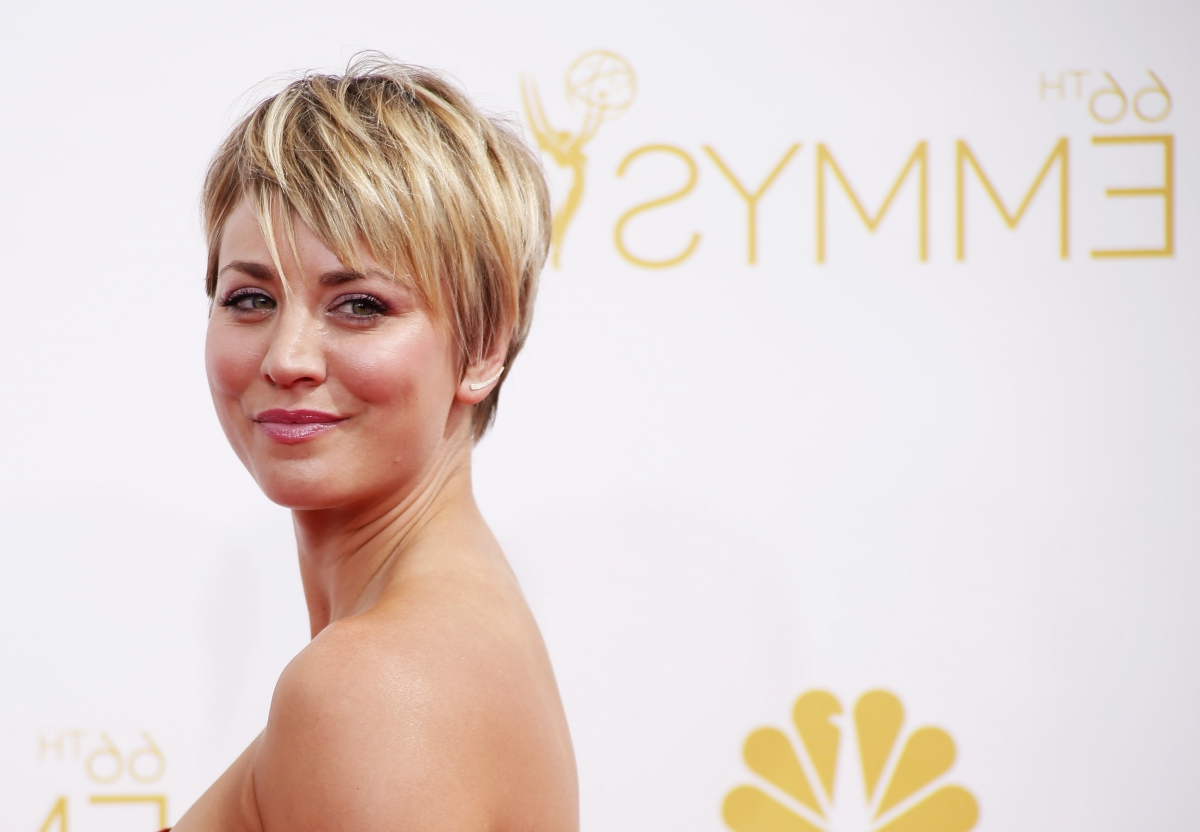 Kaley Cuoco Still Criticised For Her Hair Cut: Fans Hate Penny's Regarding Kaley Cuoco New Short Haircuts (View 13 of 25)