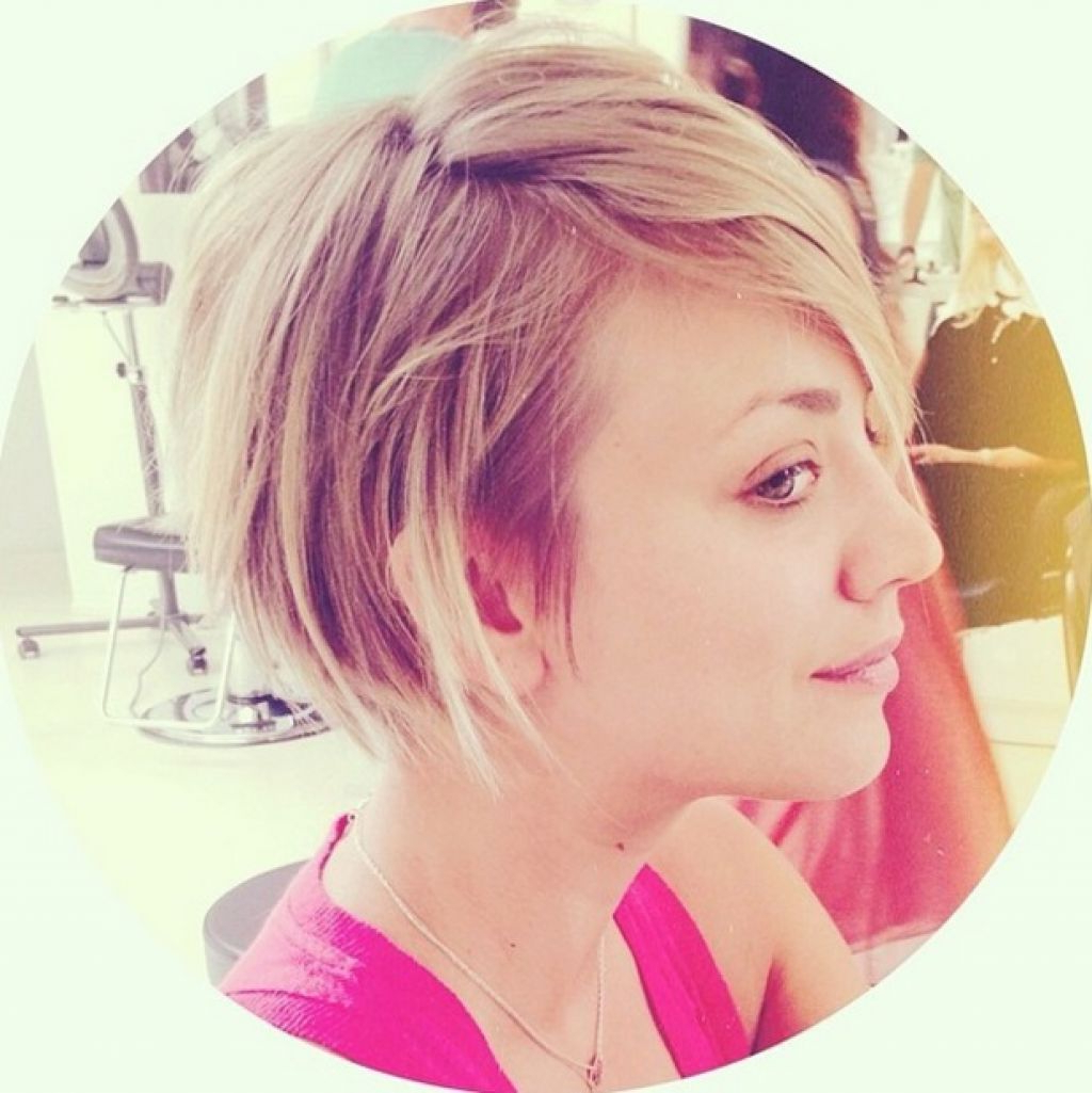 Kaley Cuoco Sweeting Trade In Her Pink Hair For This Hot New Look Pertaining To Kaley Cuoco New Short Haircuts (View 10 of 25)