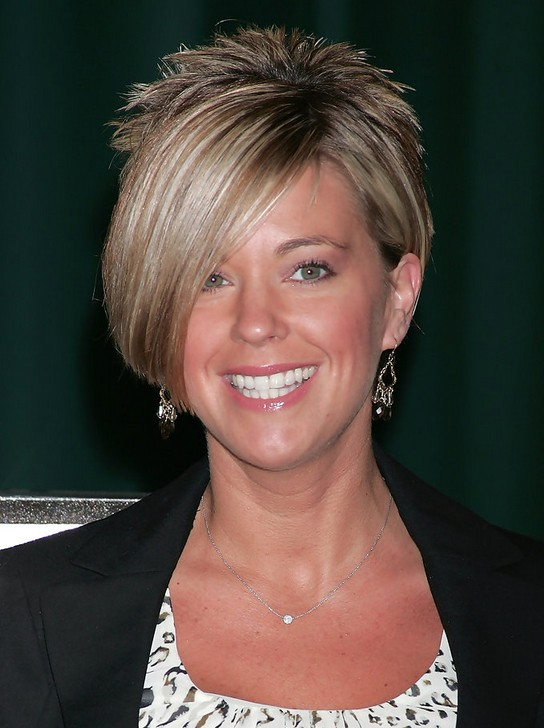 Kate Gosselin Layered Short Side Part Haircut With Long Bangs For Short Haircuts With Side Part (View 15 of 25)