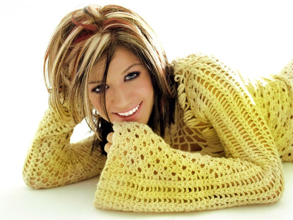Kelly Clarkson #6843863 Within Kelly Clarkson Hairstyles Short (View 11 of 25)