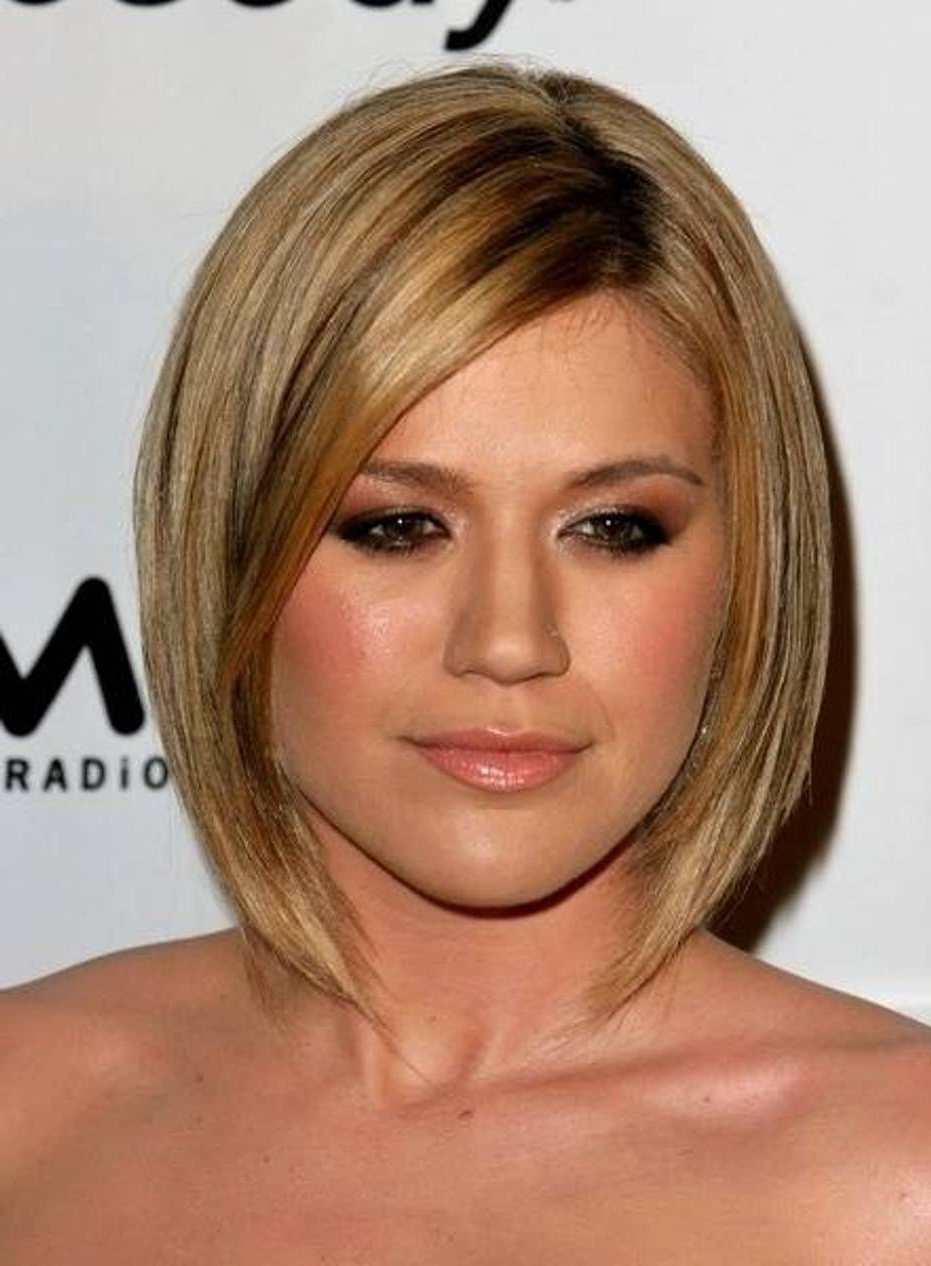 Kelly Clarkson Hairstyles – Google Search | Let's Try Something New Inside Kelly Clarkson Hairstyles Short (View 8 of 25)