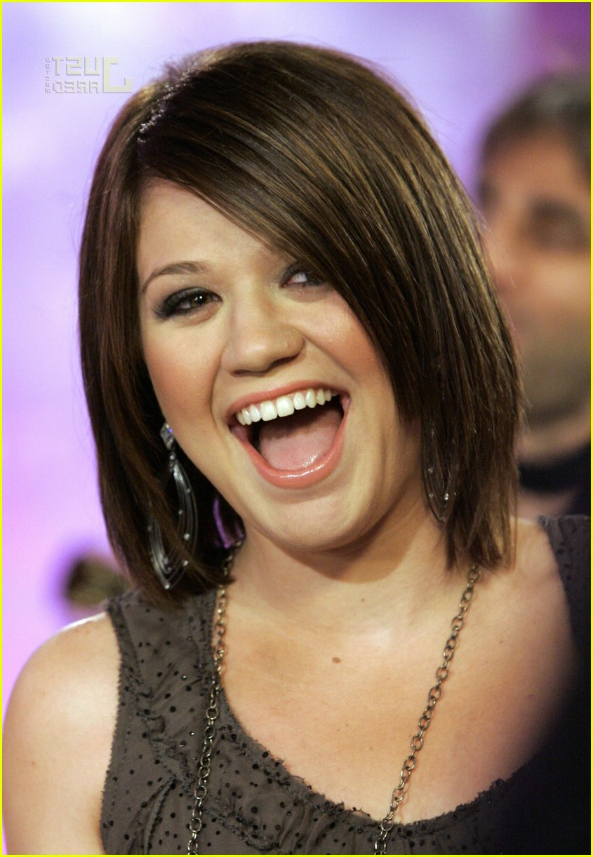 Kelly Clarkson @ The Today Show: Photo 151861 | Kelly Clarkson Pertaining To Kelly Clarkson Hairstyles Short (View 15 of 25)