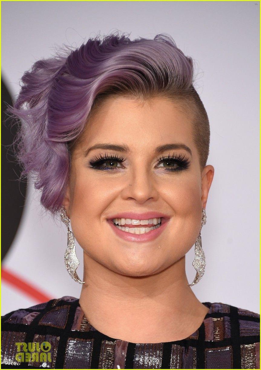 Kelly Osbourne | Cfda Fashion Awards | Inspiração De Make Intended For Kelly Osbourne Short Haircuts (View 16 of 25)