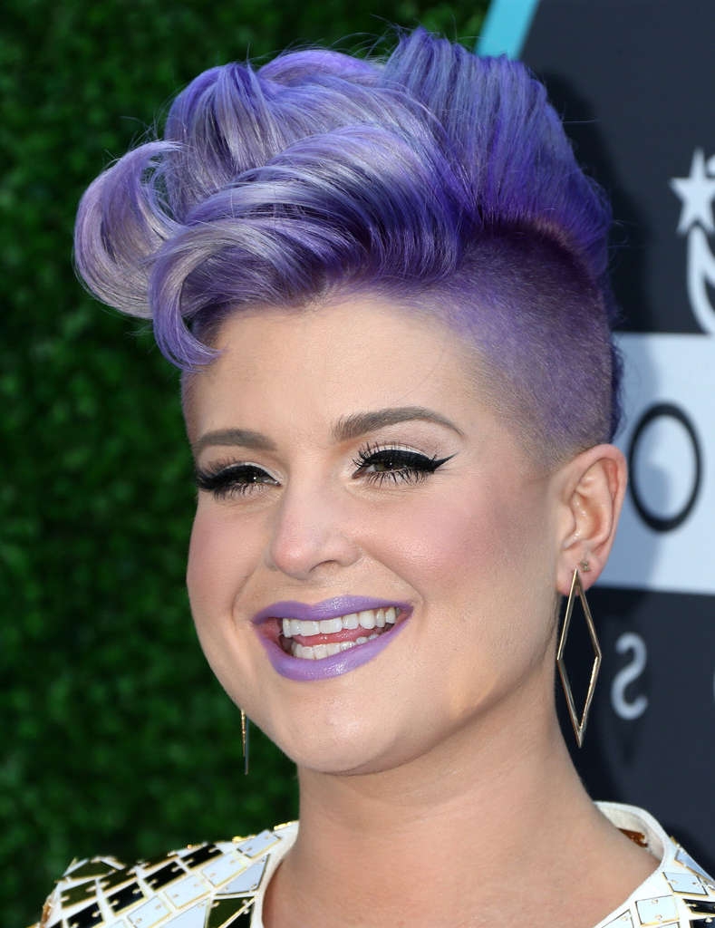 Kelly Osbourne Fauxhawk – Kelly Osbourne Short Hairstyles Lookbook Pertaining To Kelly Osbourne Short Haircuts (View 9 of 25)