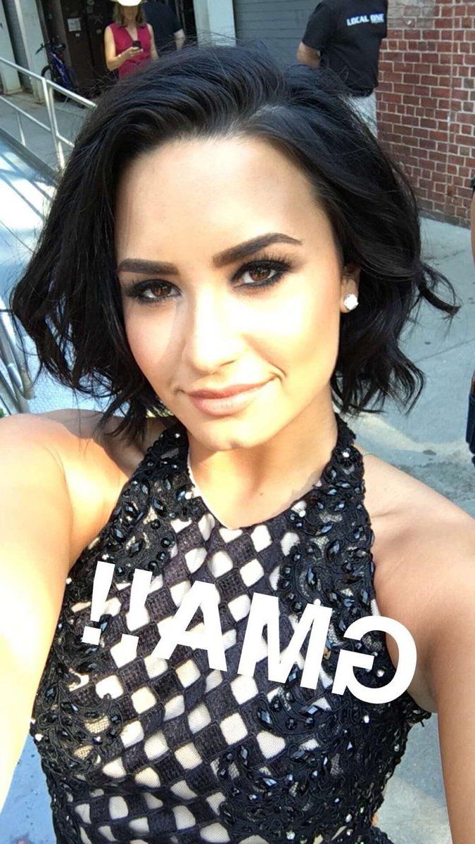 Khusus Jilbab On | Demi Lovato | Pinterest | Demi Lovato, Demi Inside Demi Lovato Short Haircuts (View 20 of 25)