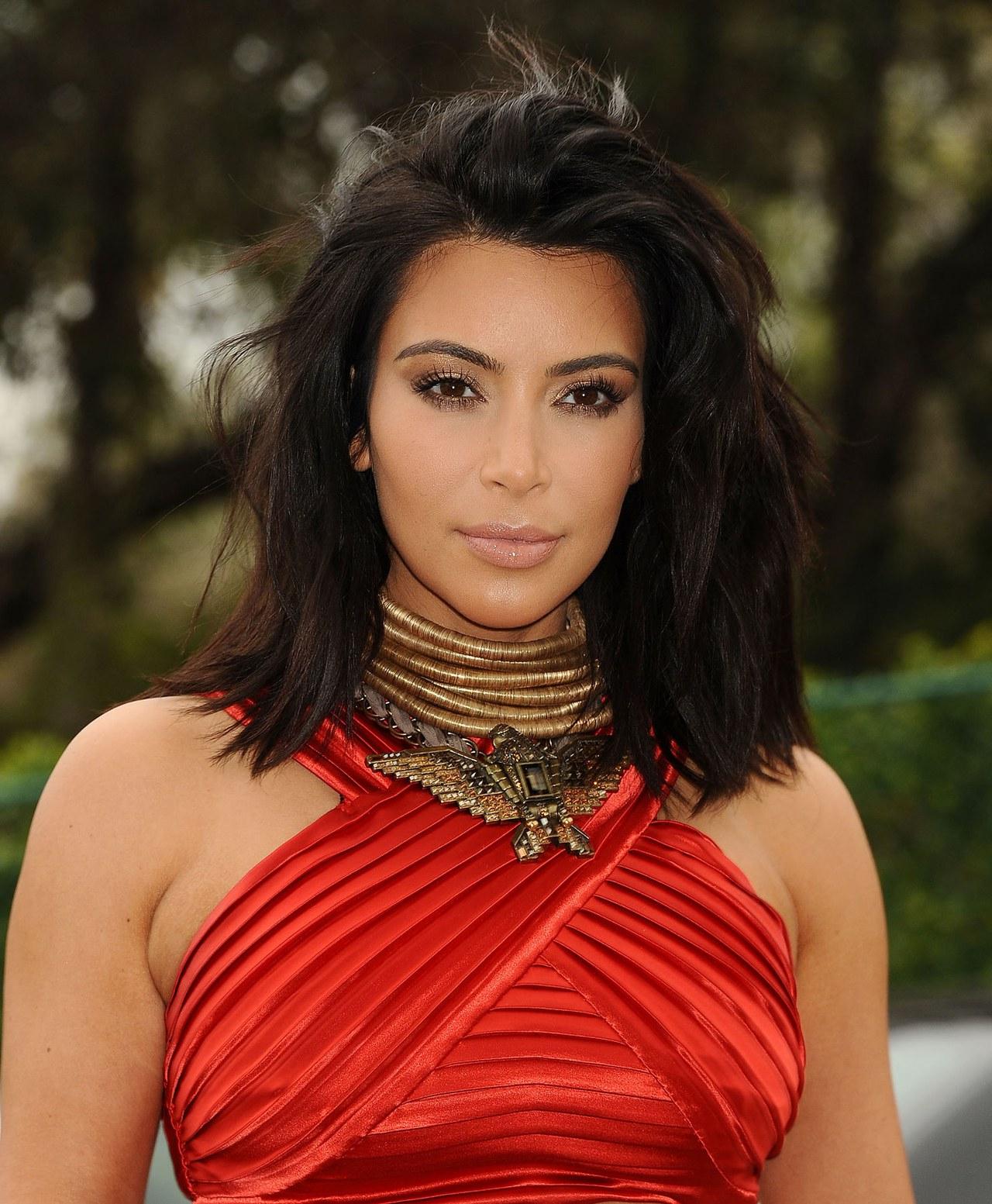 Kim Kardashian Washes Her Hair Every 5 Days (View 10 of 25)