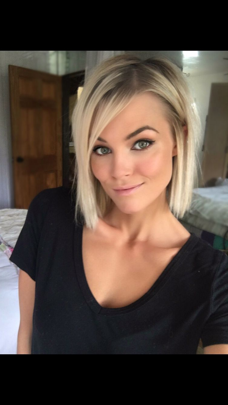 Krissafowles | Coiffure | Pinterest | Short Blonde, Blondes And Shorts With Regard To Short Blonde Hair With Bangs (View 12 of 25)