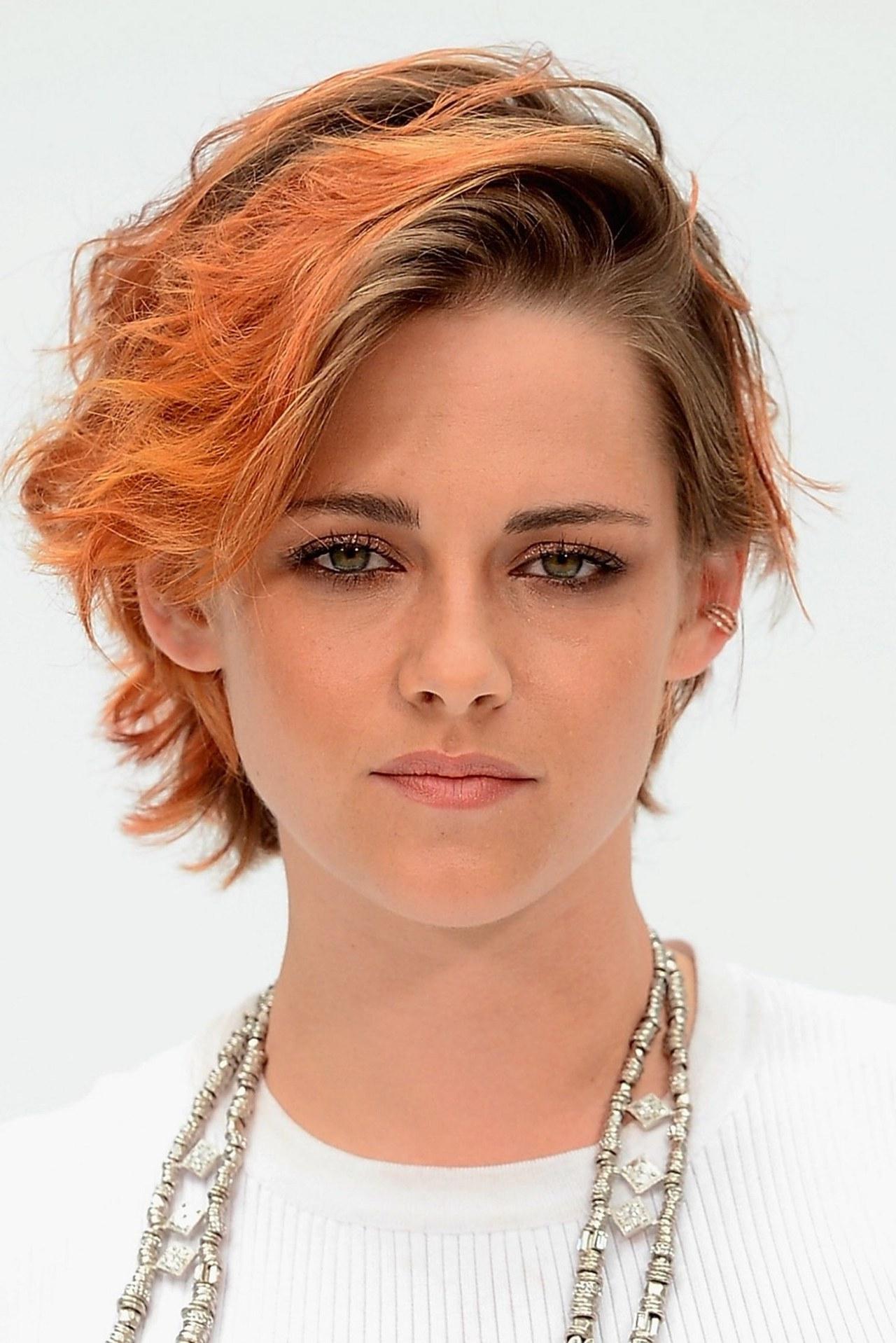 Kristen Stewart Cut Her Hair: See Her New Short Haircut From The Inside Kristen Stewart Short Hairstyles (View 9 of 25)