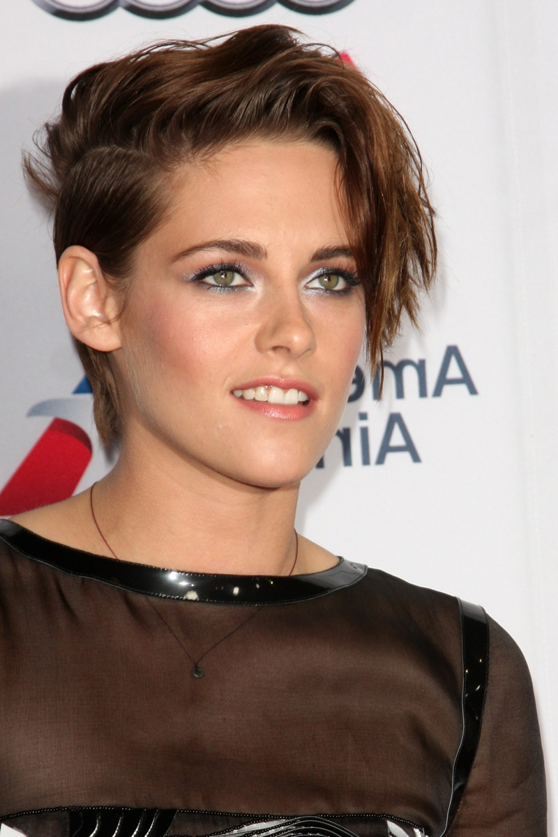 Kristen Stewart Hair Color Timeline (Photos) | Fashion Gone Rogue In Kristen Stewart Short Hairstyles (View 10 of 25)