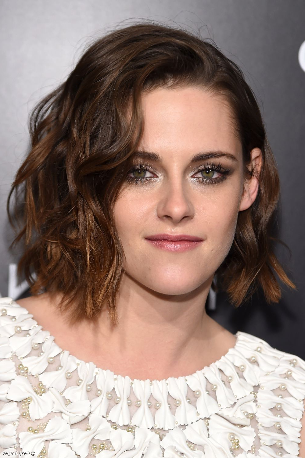 Kristen Stewart Hairstyle Tutorial: Copy Her Curly Bob Intended For Kristen Stewart Short Hairstyles (View 8 of 25)