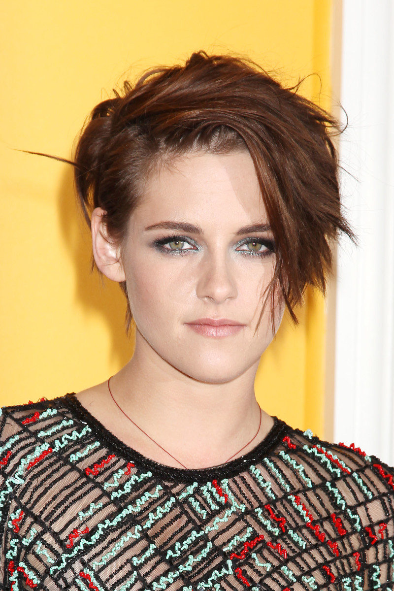 Kristen Stewart Has A New Short Haircut (And The Most Amazing Smoky Intended For Kristen Stewart Short Hairstyles (View 5 of 25)