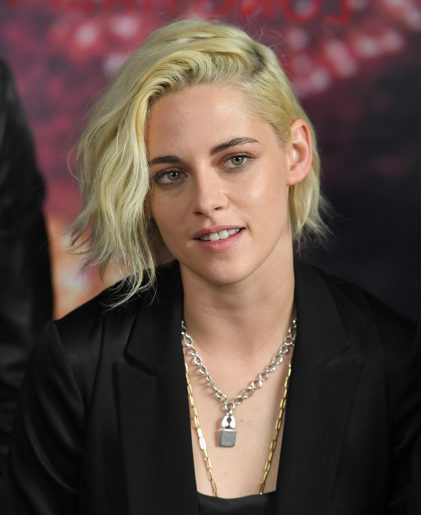 Kristen Stewart Short Hairstyles – Kristen Stewart Hair – Stylebistro For Kristen Stewart Short Hairstyles (View 2 of 25)