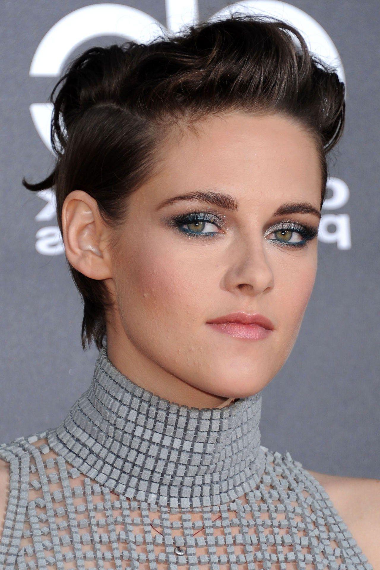 Kristen Stewart's Hair. We're Obsessed (View 14 of 25)