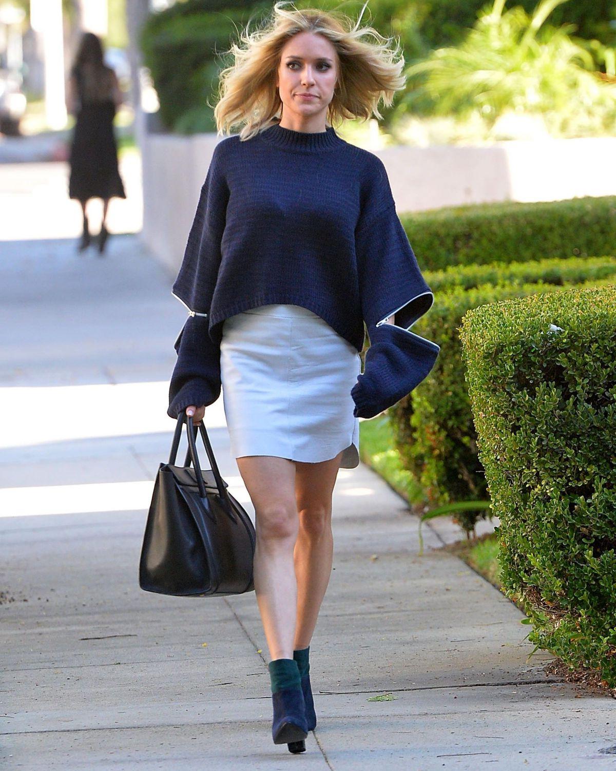 Kristin Cavallari In Short Skirt Leaves A Hair Salon In Beverly Pertaining To Kristin Cavallari Short Haircuts (View 10 of 25)