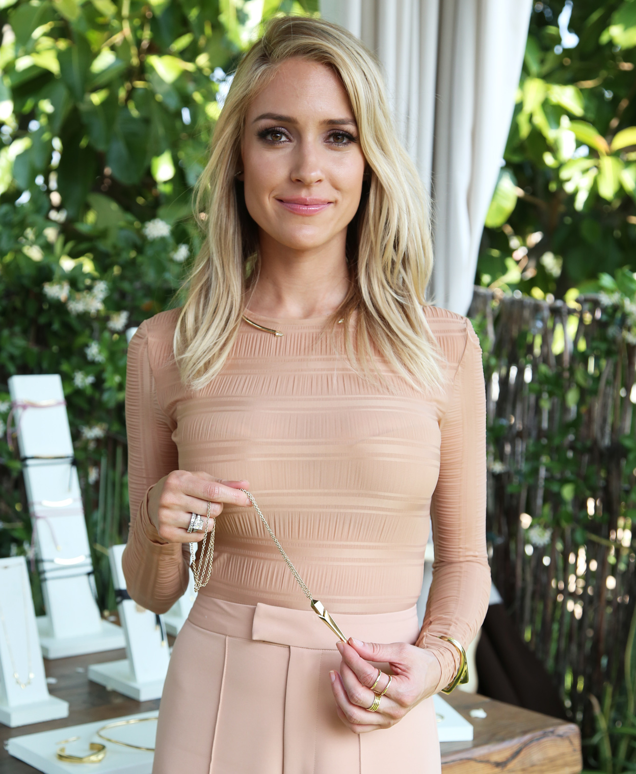 Kristin Cavallari Re Launches Her Jewelry Line | Instyle With Kristin Cavallari Short Haircuts (View 13 of 25)