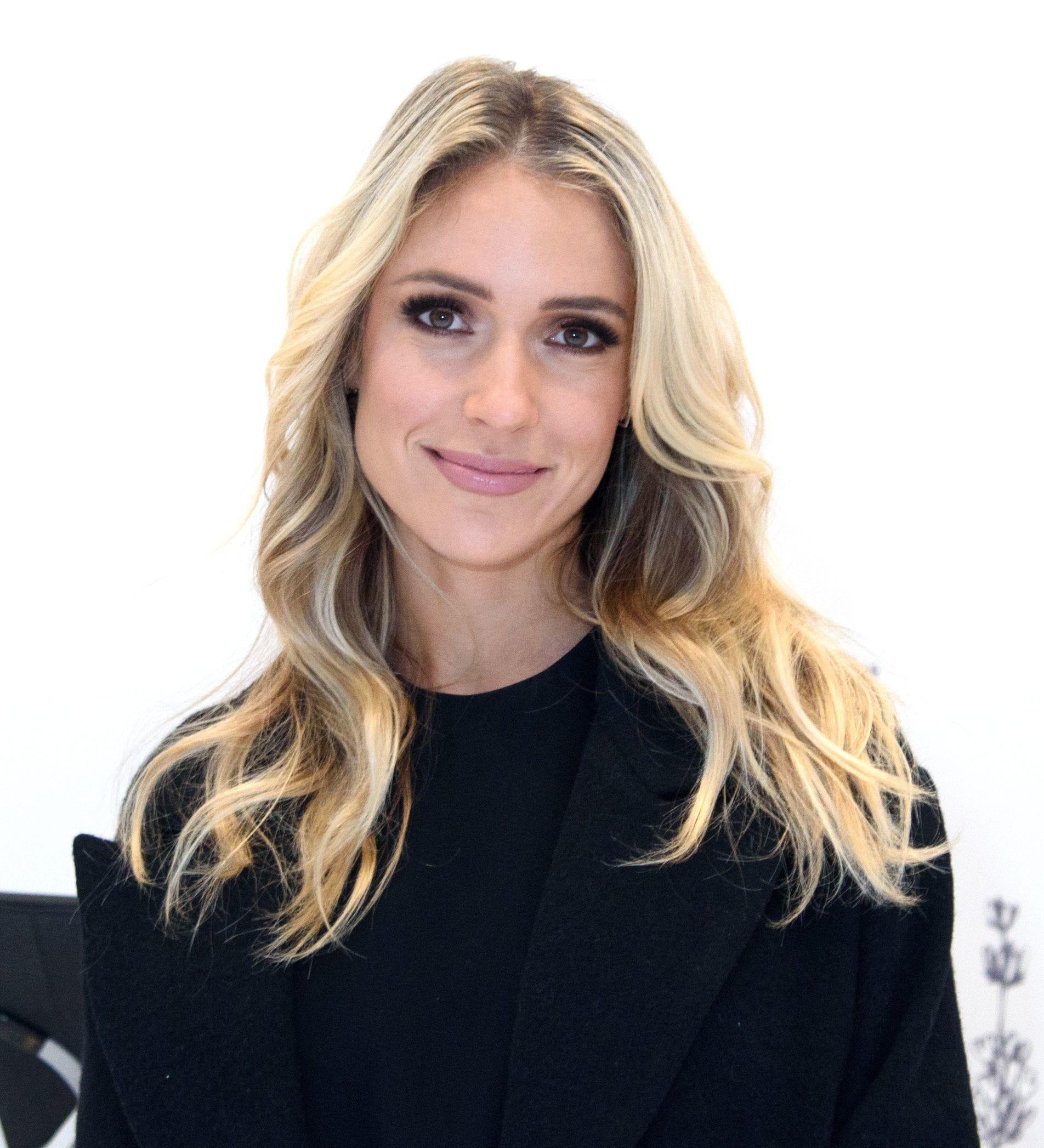 Kristin Cavallari's New Cut Is Giving Laguna Beach Fans Serious In Kristin Cavallari Short Haircuts (View 16 of 25)