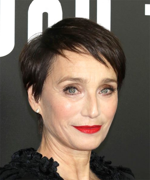 Kristin Scott Thomas Short Straight Casual Pixie Hairstyle With In Long Feathered Espresso Brown Pixie Hairstyles (View 17 of 25)