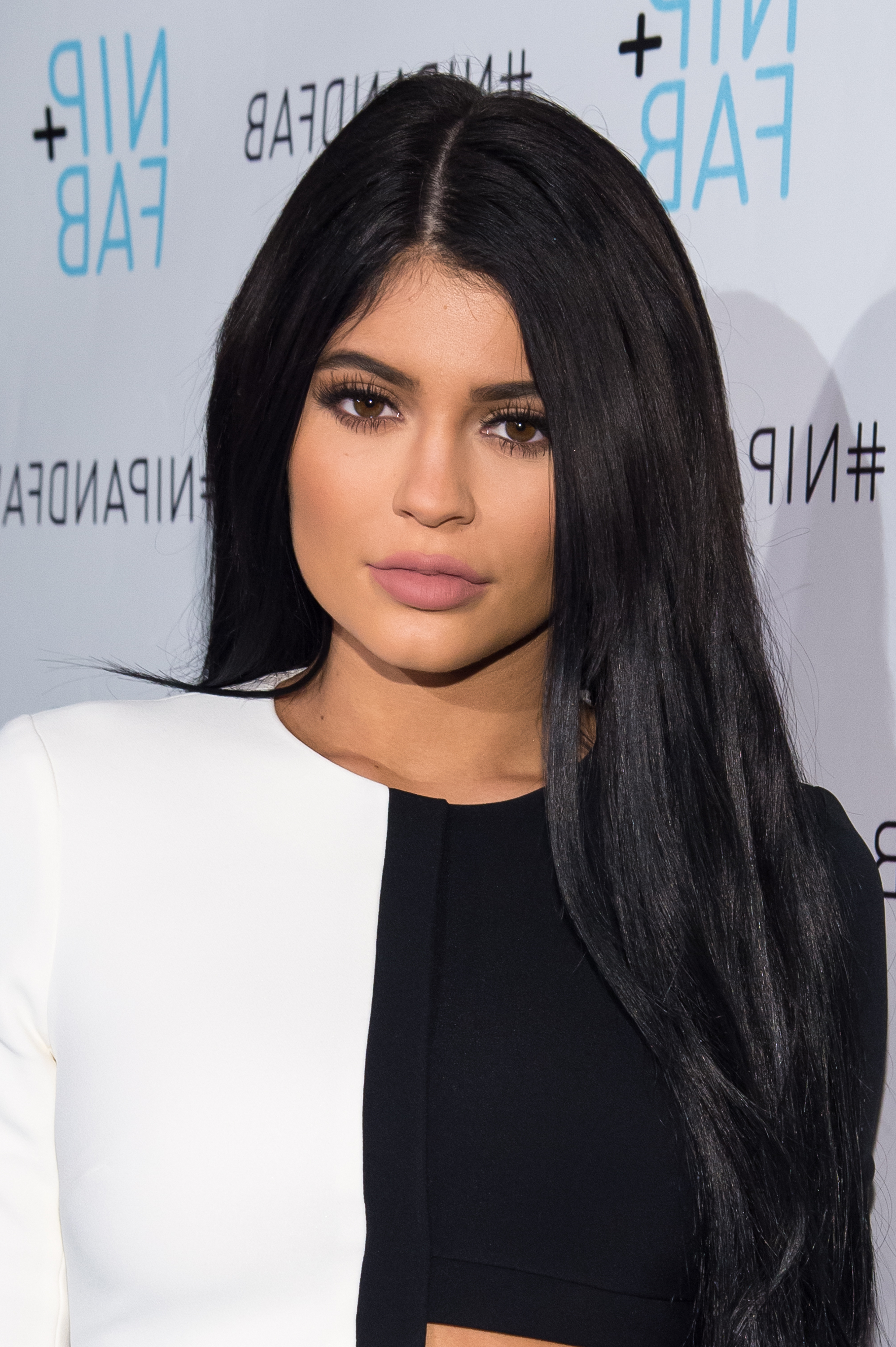 Kylie Jenner's Short Haircut Reveal Proves She's Committed To This For Kylie Jenner Short Haircuts (View 19 of 25)