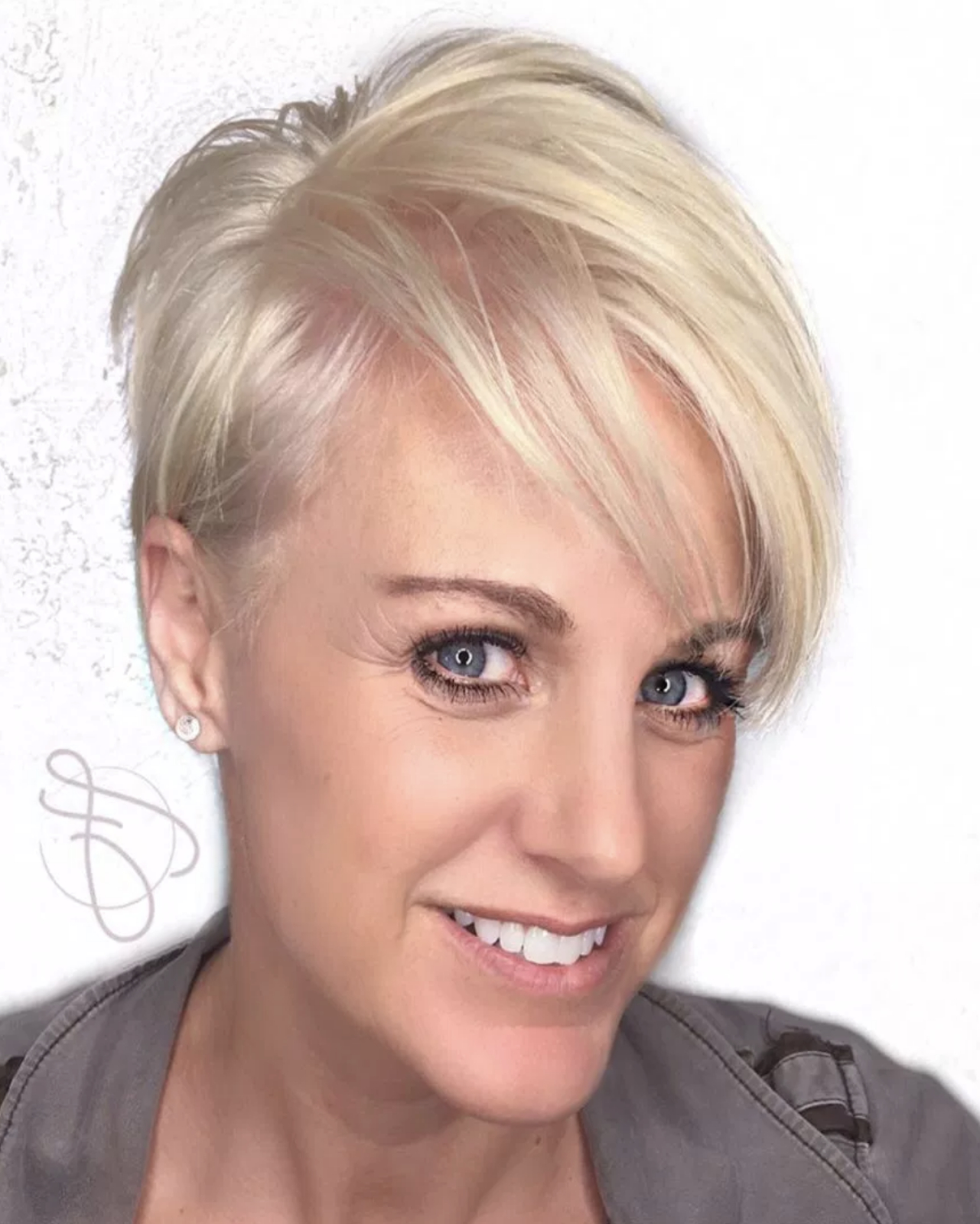 Latesthairstylepedia: Short Hairstyles For Women Over 40 Pertaining To Short Hairstyles For Over 40 Year Old Woman (View 20 of 25)