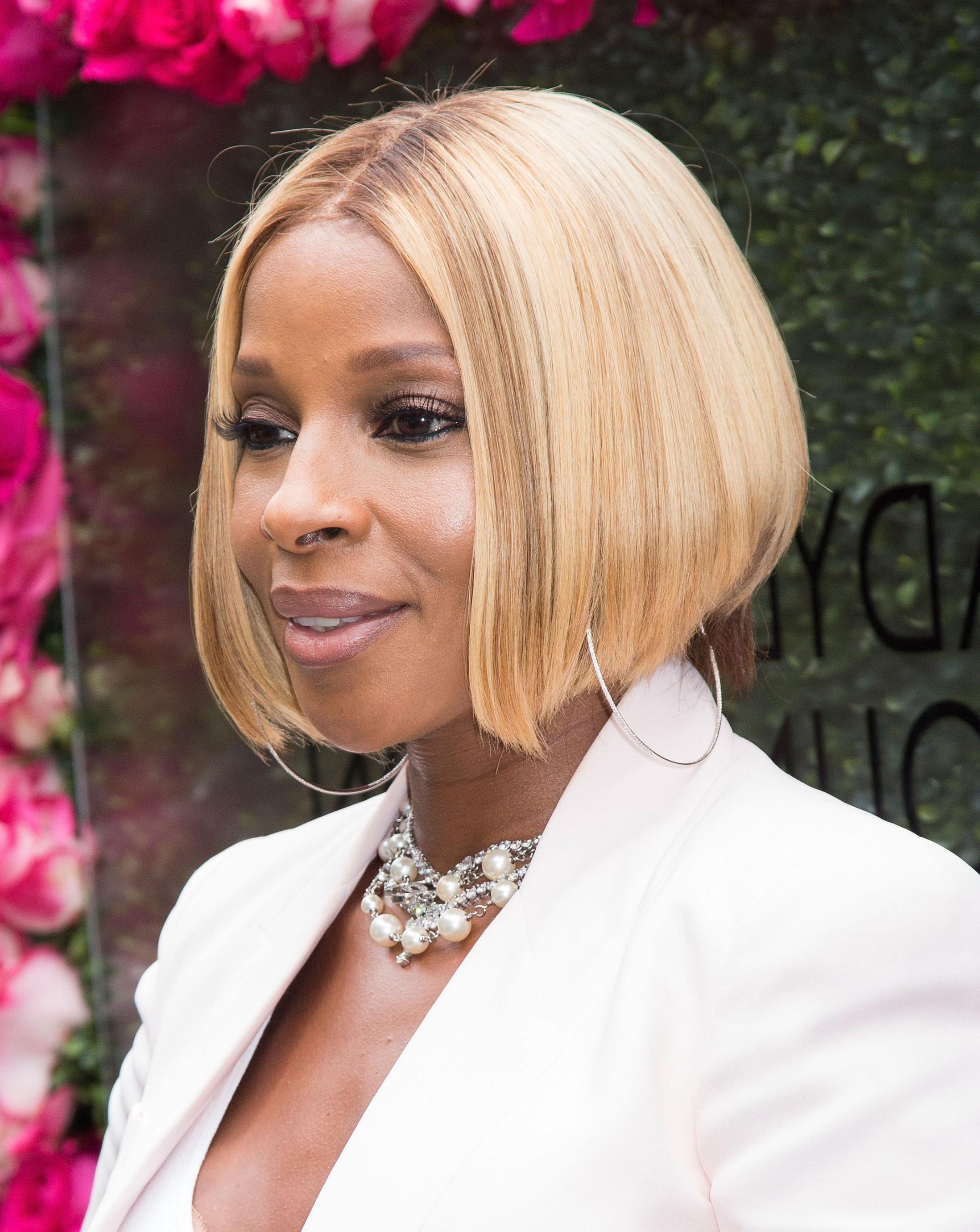 Layered Hairstyles For Black Women Beautiful Style   Hairstyles Inside Short Layered Hairstyles For Black Women (View 17 of 25)