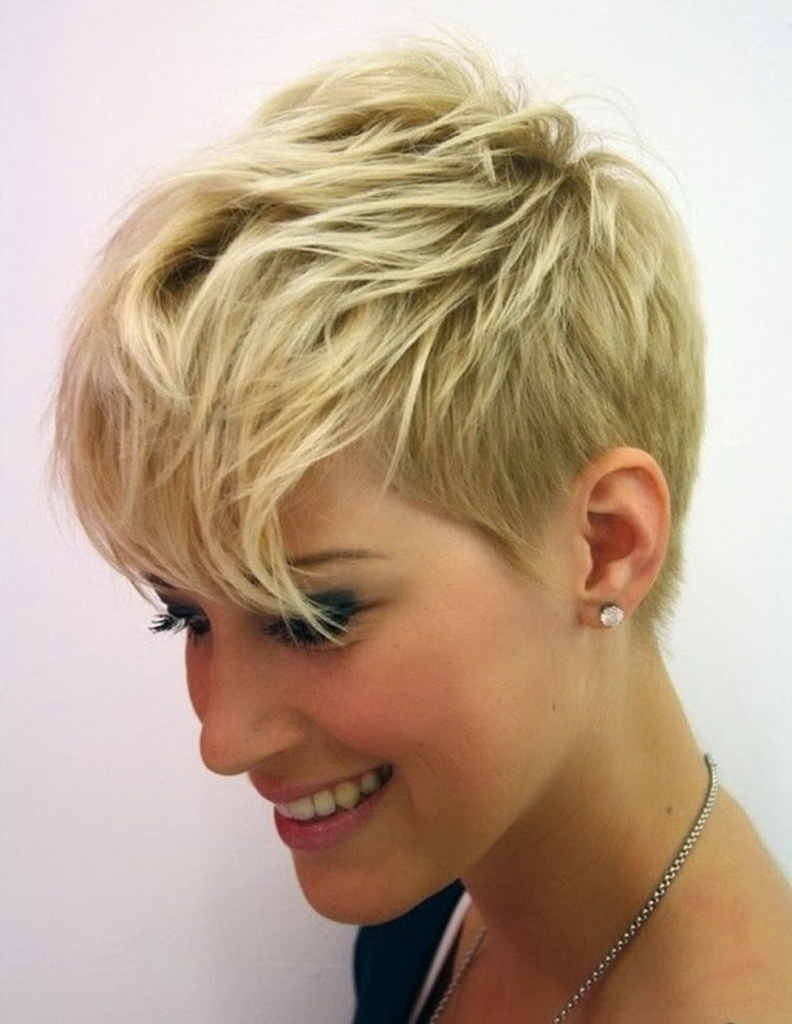 Layered Short Pixie Cuts For Thick Hair With Side Bangs Throughout Pixie Layered Short Haircuts (View 19 of 25)