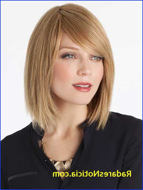 Long Bob With Layers And Bangs 15 Latest Long Bob With Side Swept In Layered Bob Hairstyles With Swoopy Side Bangs (View 11 of 25)