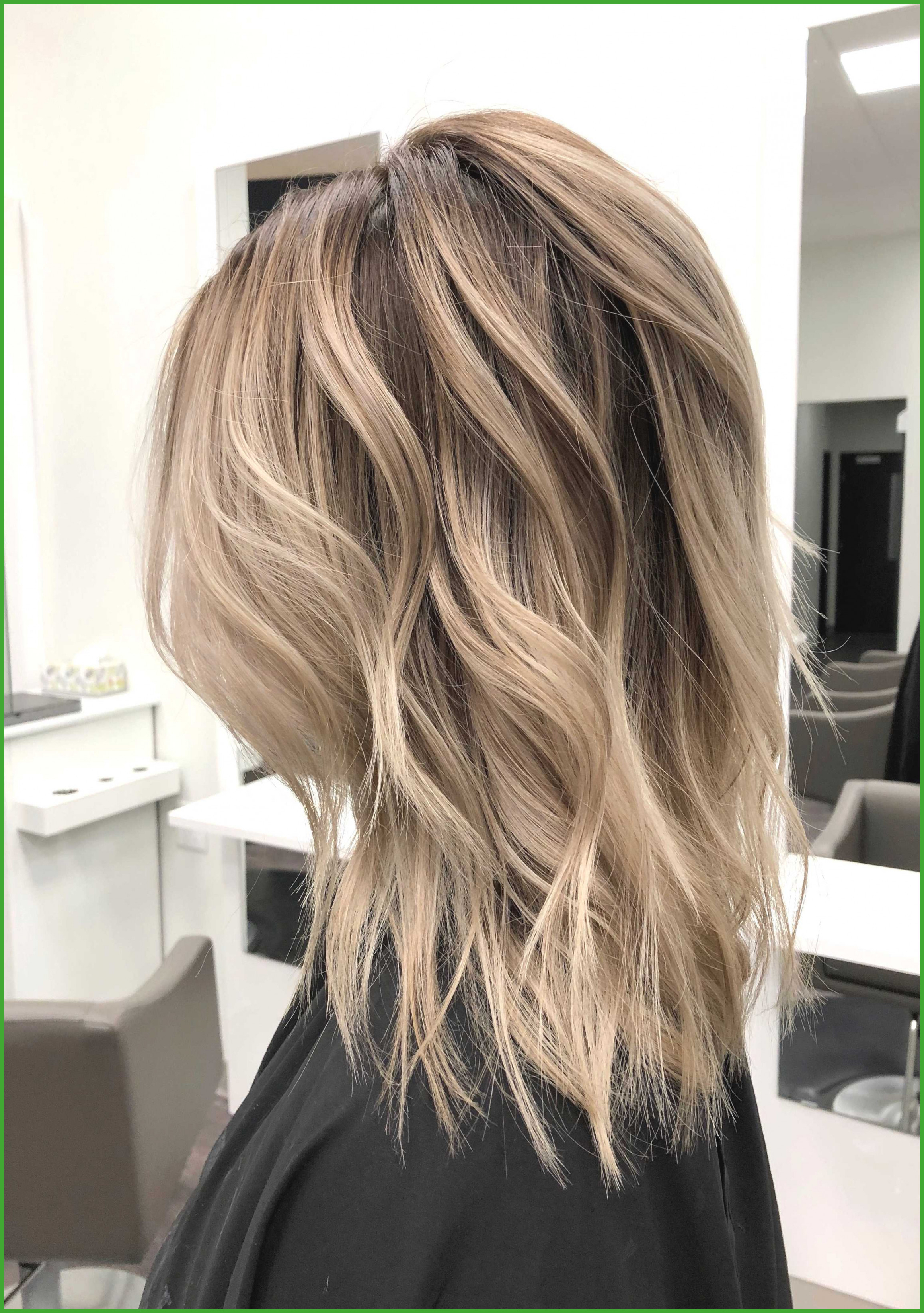 Long Length Short Layered Hairstyles Inspirational Top 20 Medium For Long And Short Layers (View 11 of 25)