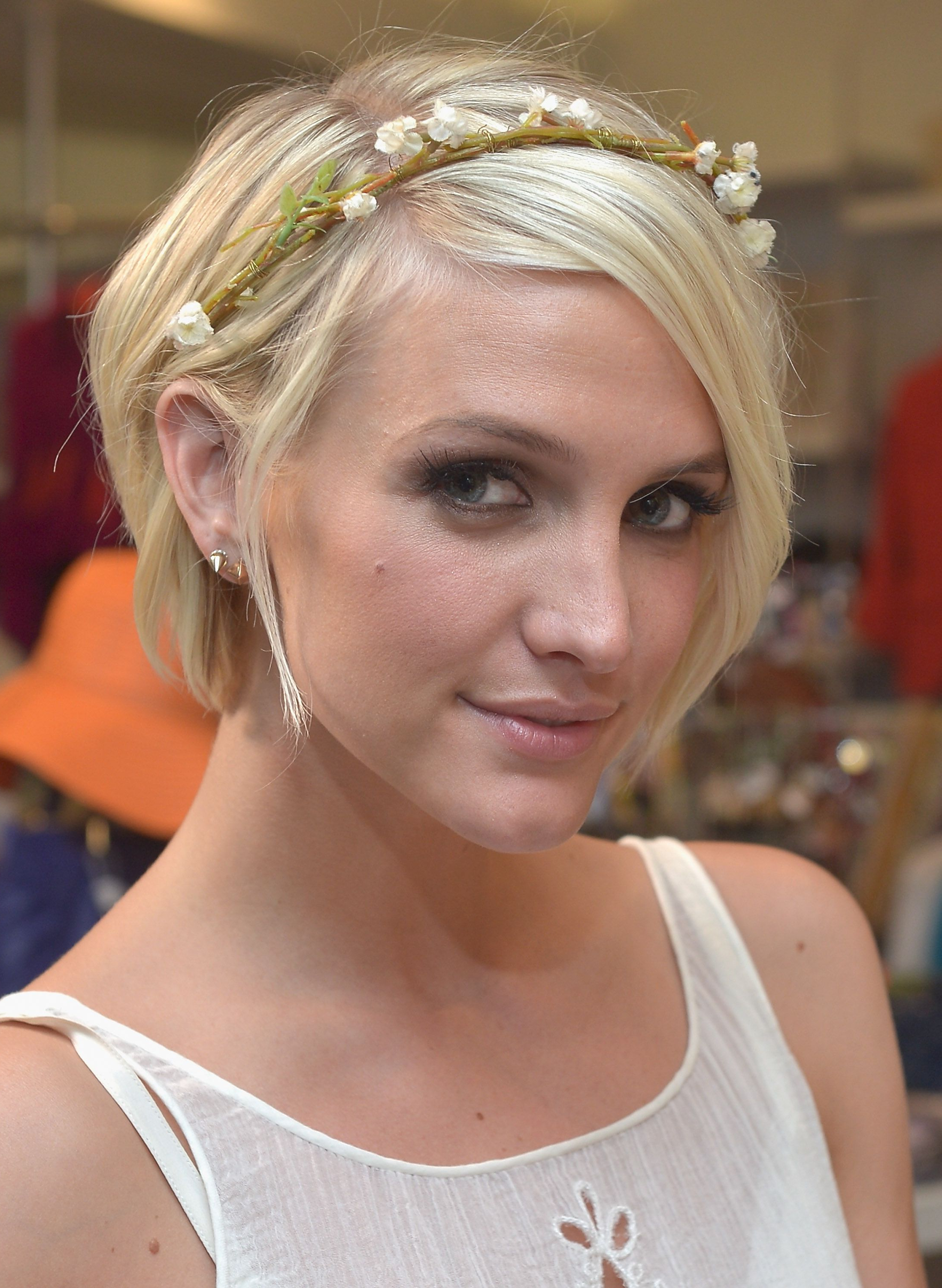 Look Hippie Chic Party – Pesquisa Google | Accesory | Pinterest With Regard To Hippie Short Hairstyles (View 5 of 25)