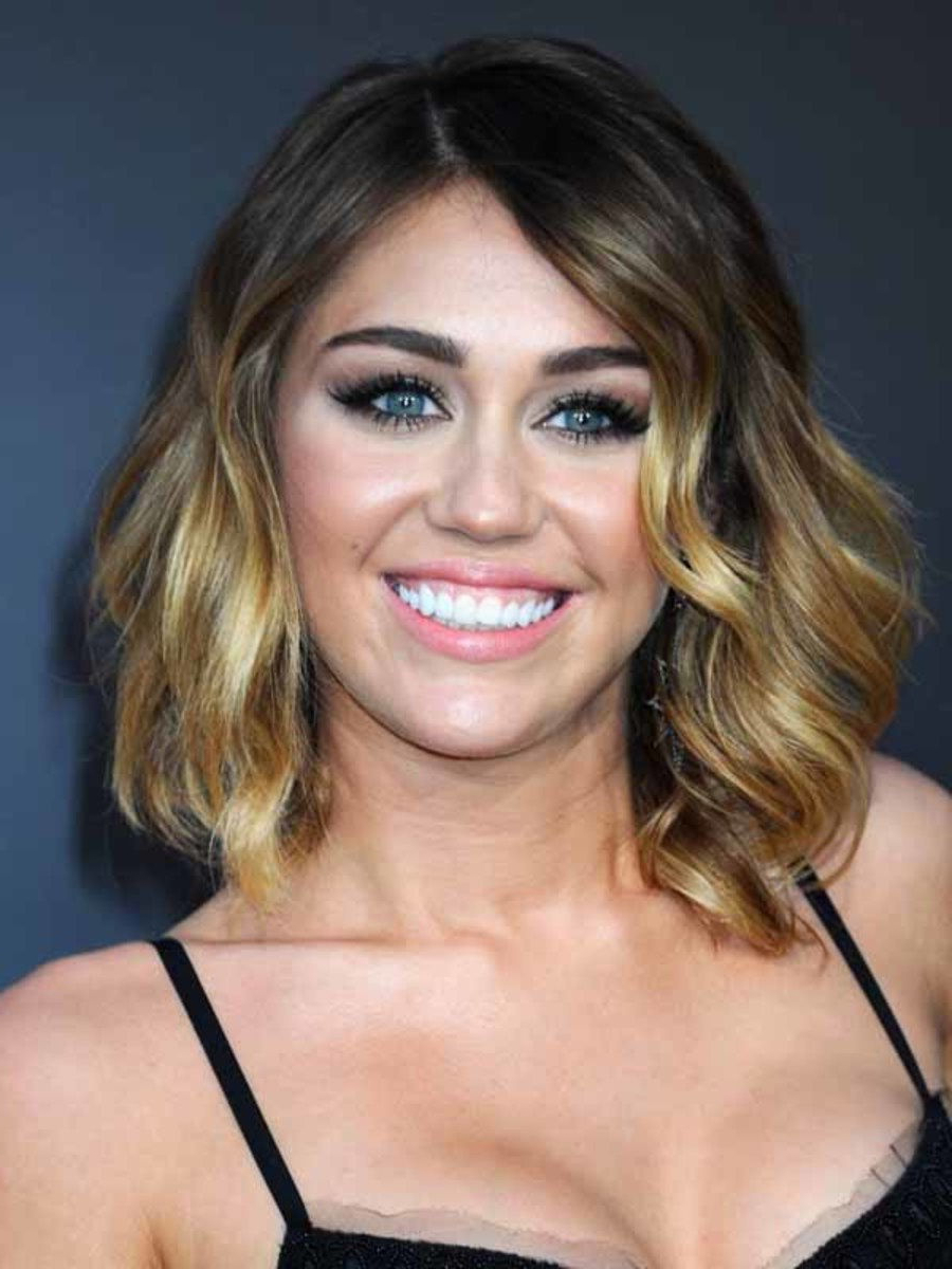 Look! Miley Cyrus Chopped Her Hair Short And Dyed It Platinum Blonde Pertaining To Short Haircuts Like Miley Cyrus (View 20 of 25)