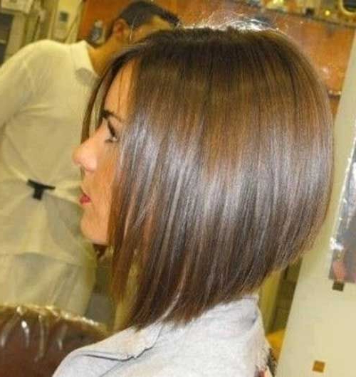 Medium Length Angled Bob Haircut – Best Hairstyle And Haircut Ideas Throughout Voluminous Nape Length Inverted Bob Hairstyles (View 9 of 25)