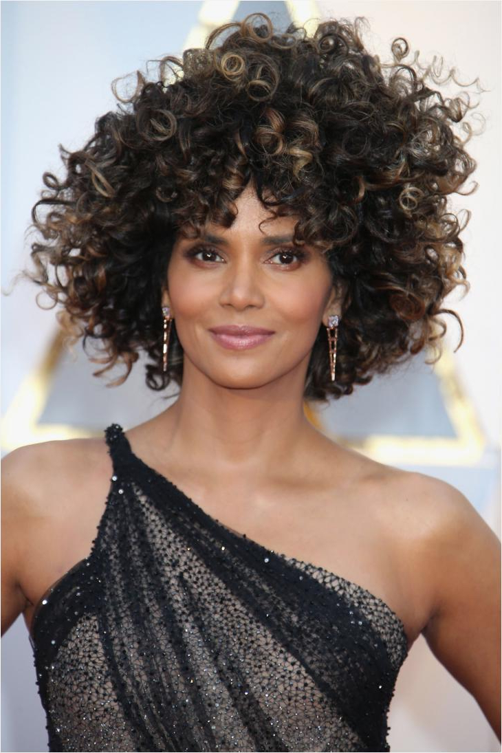 Medium Short Hairstyles For Round Faces Awesome 42 Easy Curly Within Medium Short Hairstyles For Round Faces (View 22 of 25)