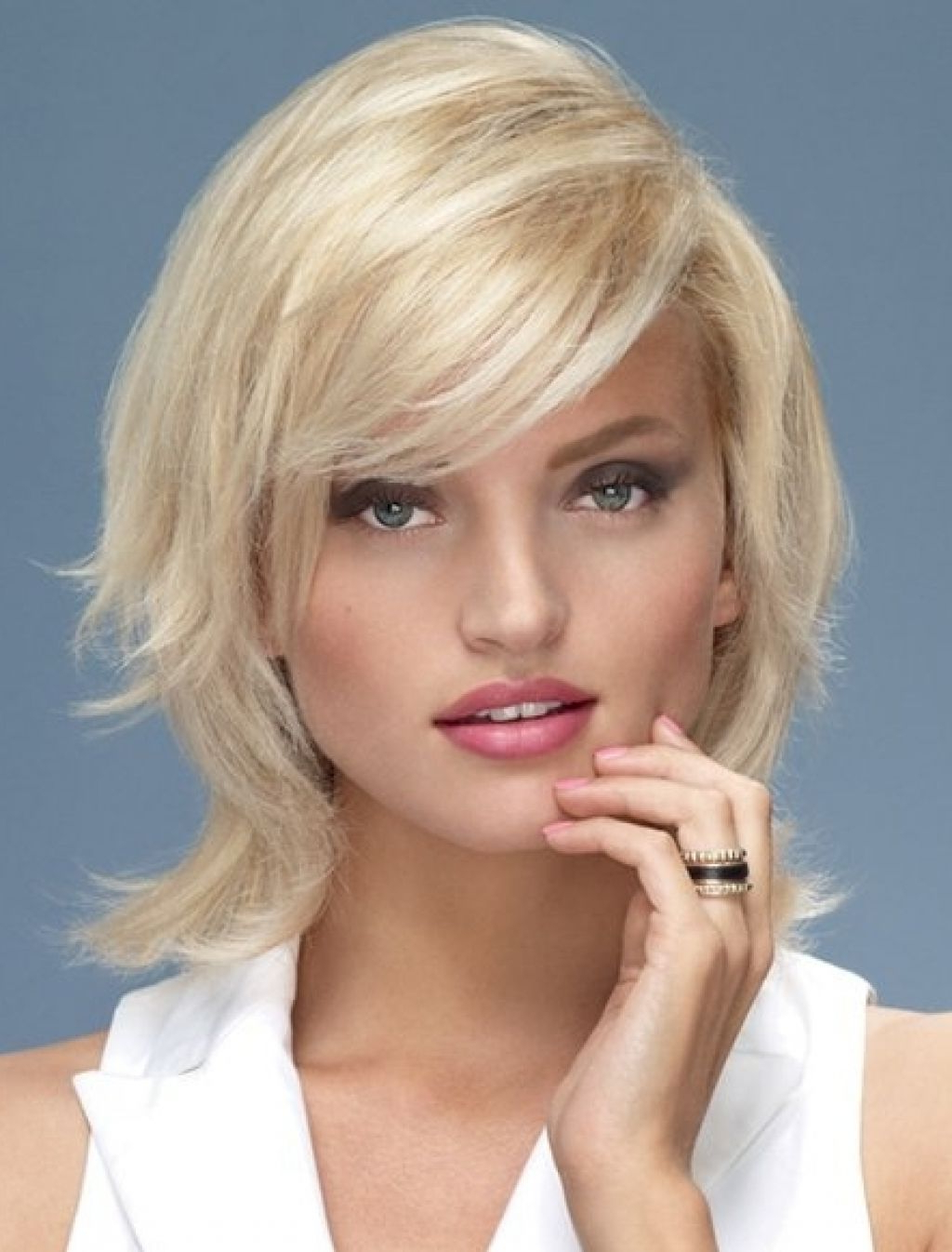Medium Short Hairstyles Round Faces – Hairstyle For Women & Man In Medium Short Hairstyles Round Faces (View 5 of 25)
