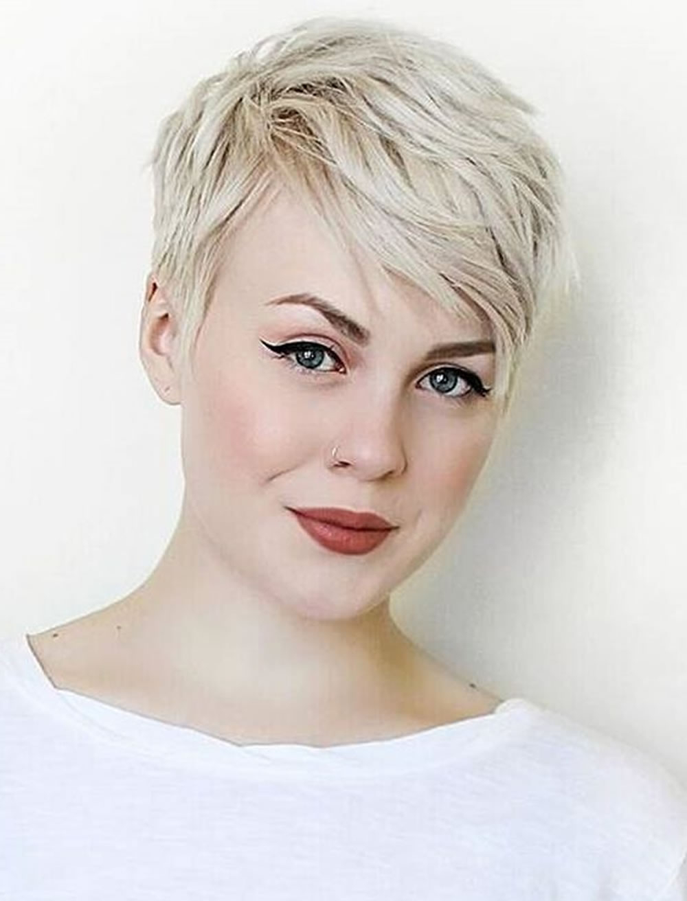 Messy Short Pixie Hairstyles For Blonde Women – Hairstyles In Messy Short Haircuts For Women (View 6 of 25)