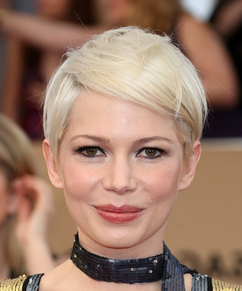 Michelle Williams Sleek Short Straight Casual Pixie Hairstyle With With Sleeked Down Pixie Hairstyles With Texturizing (View 20 of 25)