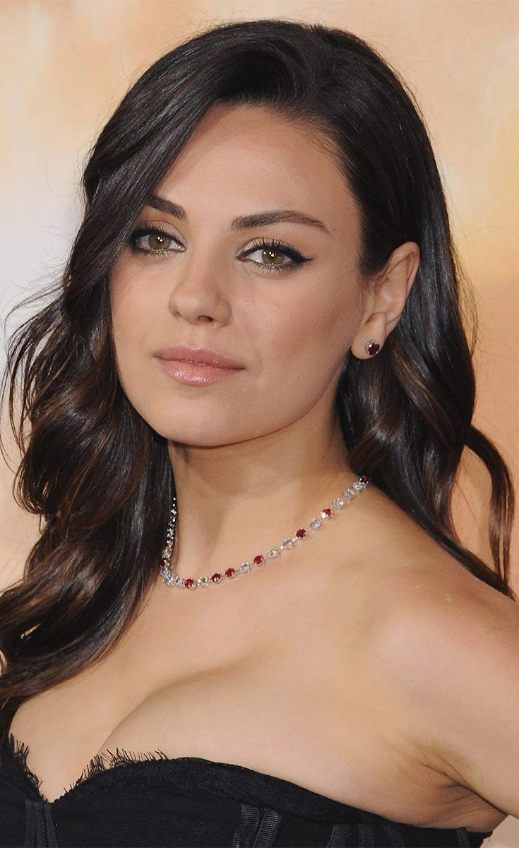 Mila Kunis Got Her Shortest Haircut Ever And We're Obsessed Intended For Mila Kunis Short Hairstyles (View 11 of 25)