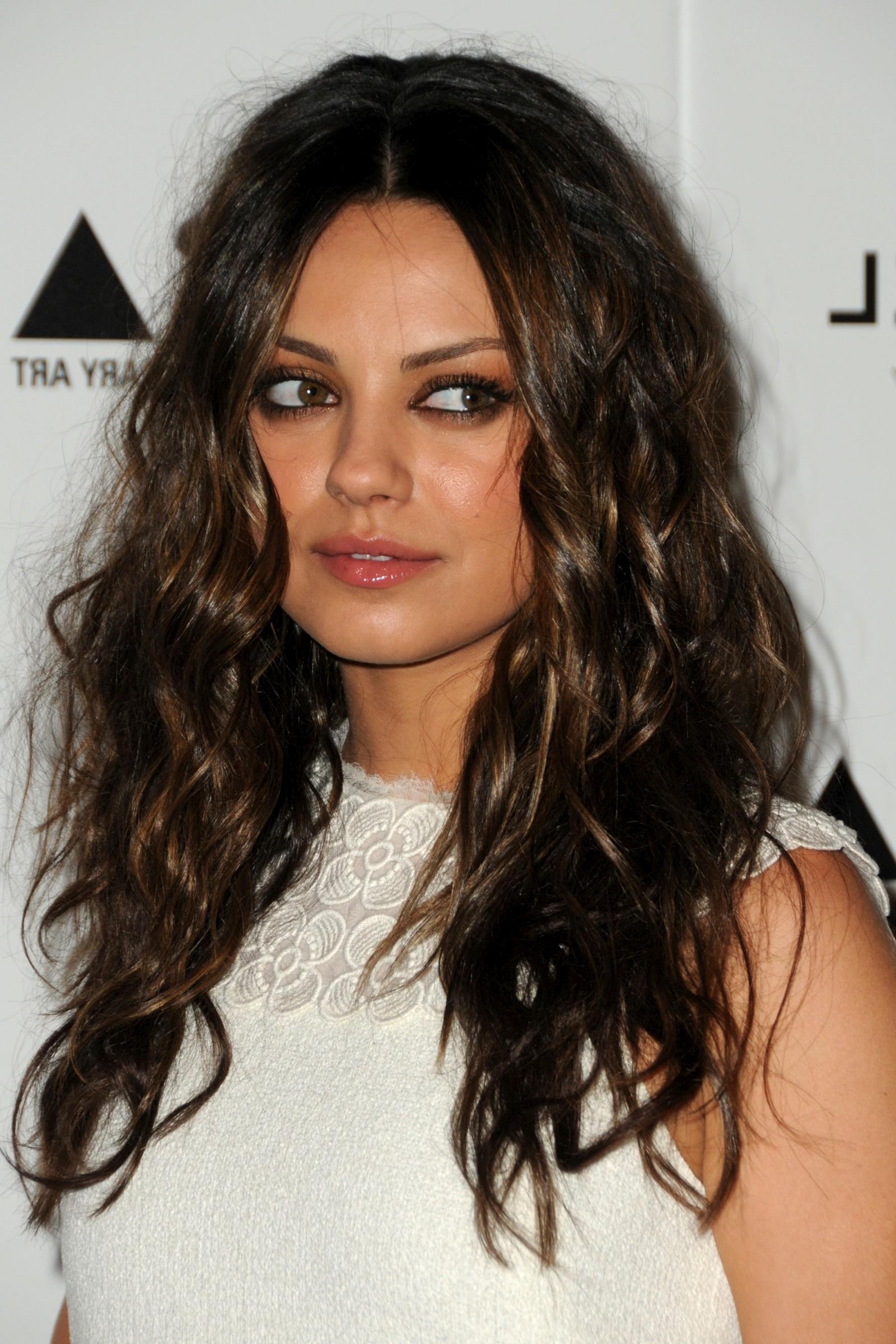 Mila Kunis Hairstyles   Hairstylo With Regard To Mila Kunis Short Hairstyles (View 25 of 25)