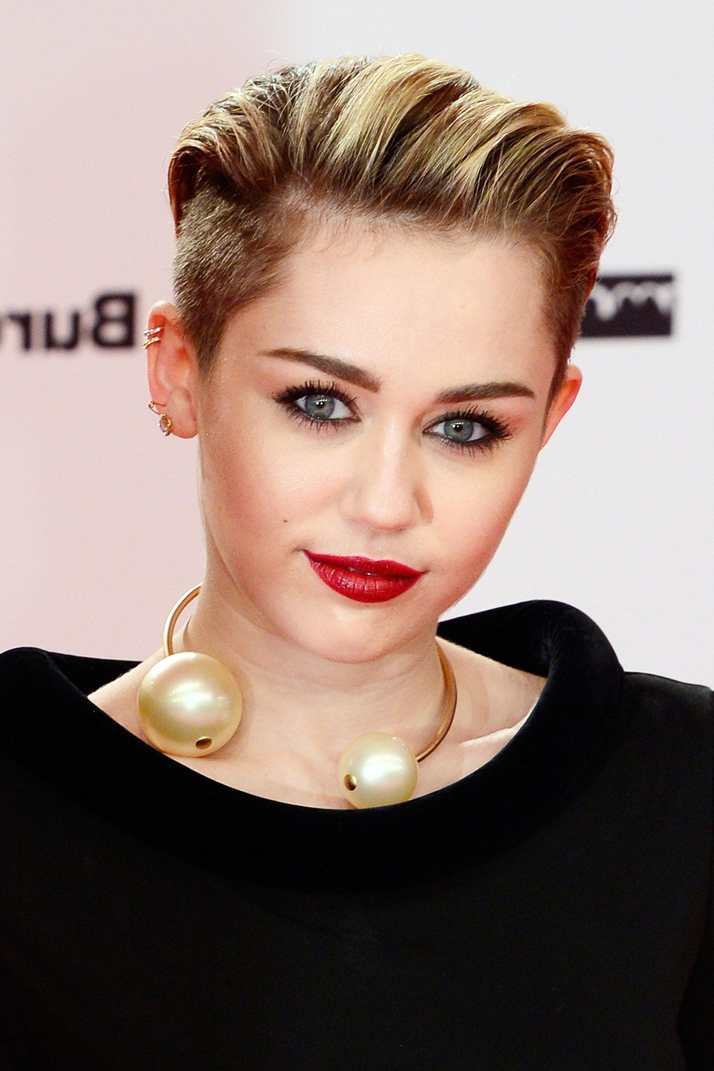 Miley Cyrus' Best Hairstyles Of All Time – 66 Miley Cyrus Hair Cuts Inside Miley Cyrus Short Hairstyles (View 15 of 25)