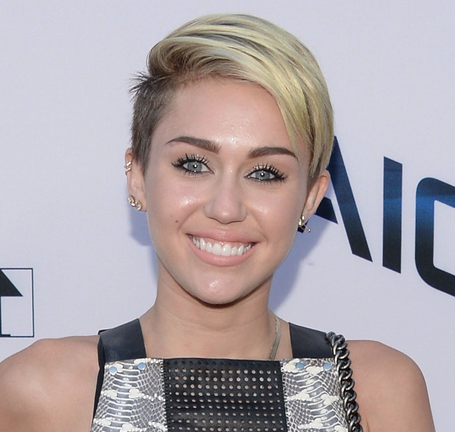 Miley Cyrus Is Growing Out Her Hair To Look Like Madonna   Stylecaster In Short Haircuts Like Miley Cyrus (View 17 of 25)