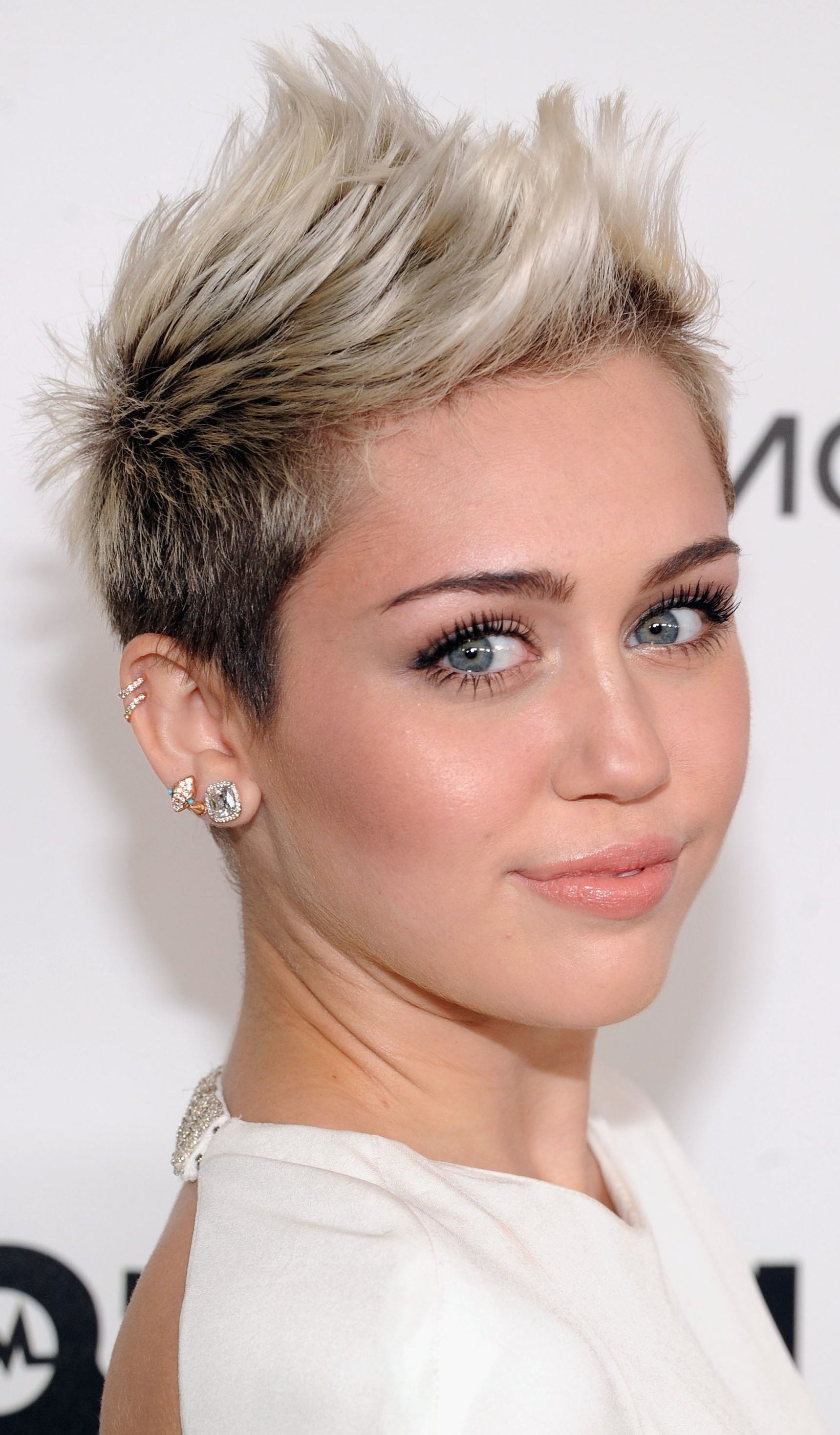 Miley Cyrus: Platinum Blonde Ombre Short Hairstyle In 2018 | Hair With Regard To Miley Cyrus Short Haircuts (View 10 of 25)