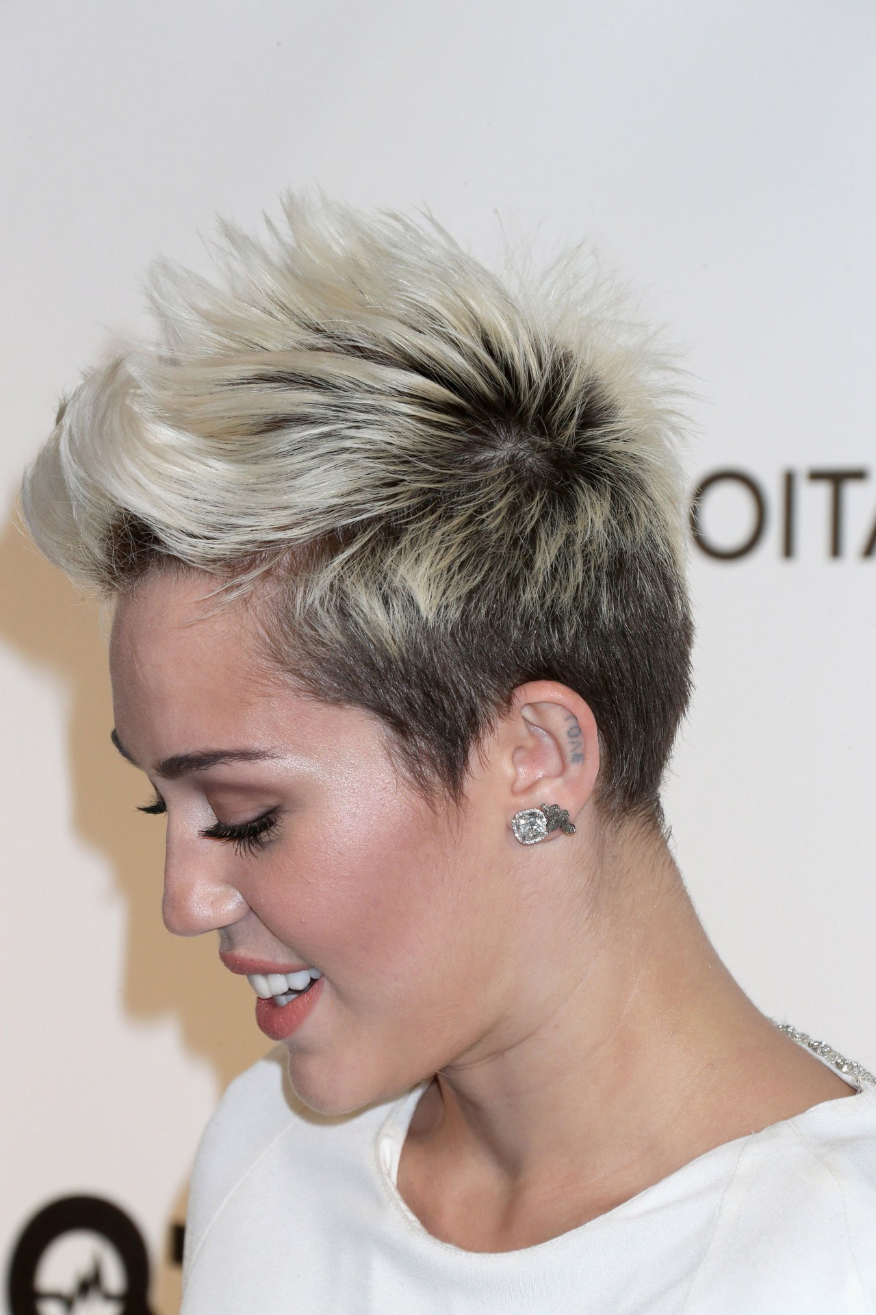 Miley Cyrus, Please Don't Grow Out Your Hair (An Impassioned Plea Throughout Short Haircuts Like Miley Cyrus (View 19 of 25)