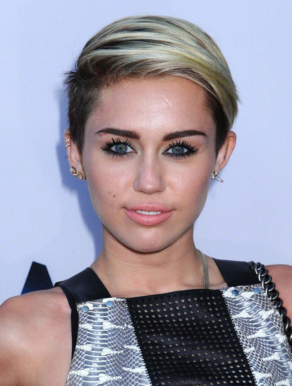Miley Cyrus Short Hair – Google Search | Short Hair | Pinterest Pertaining To Miley Cyrus Short Haircuts (View 13 of 25)