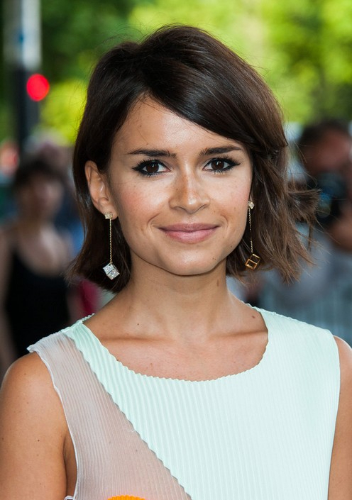 Miroslava Duma Layered Side Parted Short Haircut With Side Swept Inside Layered Bob Hairstyles With Swoopy Side Bangs (View 24 of 25)