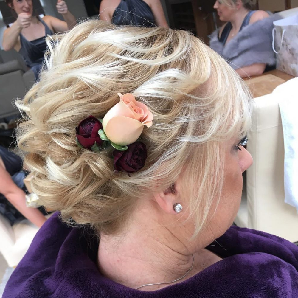 Mother Of The Bride Hairstyles: 24 Elegant Looks For 2018 Within Hairstyles For Brides With Short Hair (View 21 of 25)