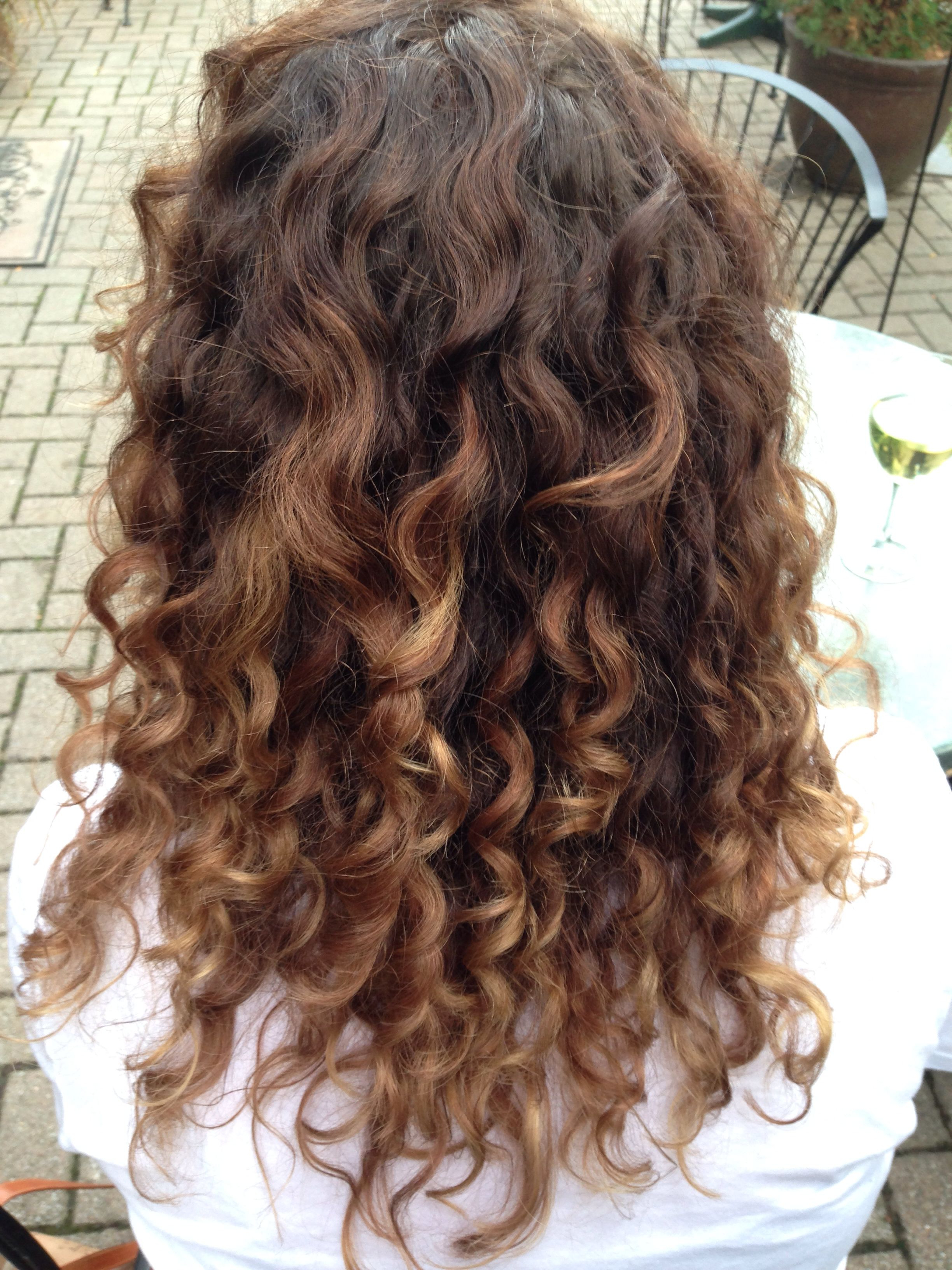 Naturally Curly Hair Carmel Ombréthe Best In The Business within Brown Curly Hairstyles With Highlights