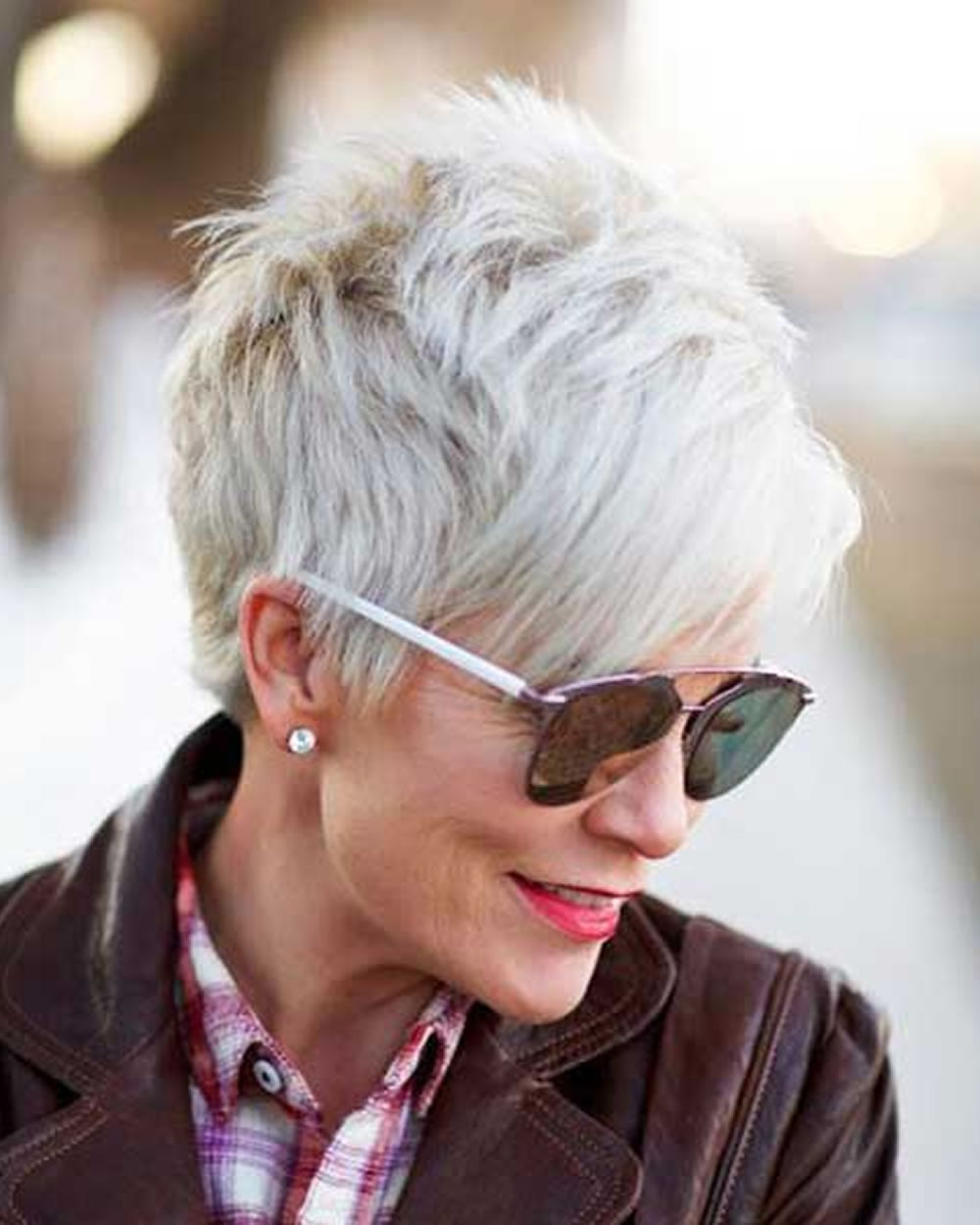 Older Women's Pixie Hairstyles 2019 And Grey Hair For Short Haircut in Short Haircuts For Gray Hair